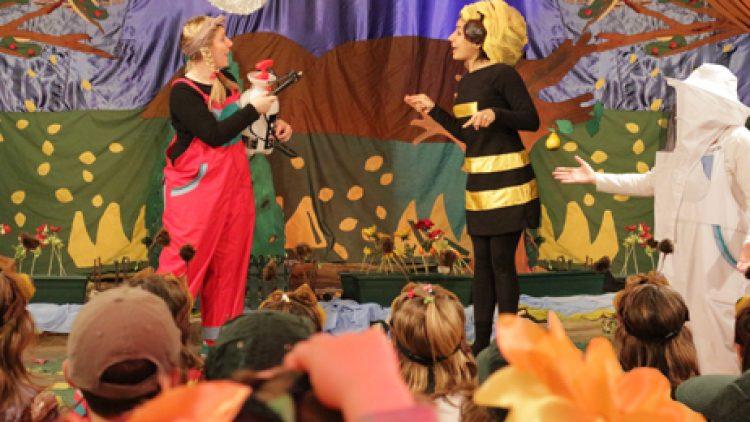 Η Μέλισσα, το Μέλι, Το Κερί
